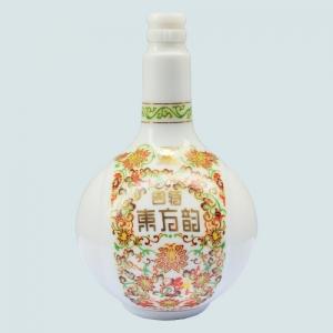 泸州乳白烤花陶瓷瓶